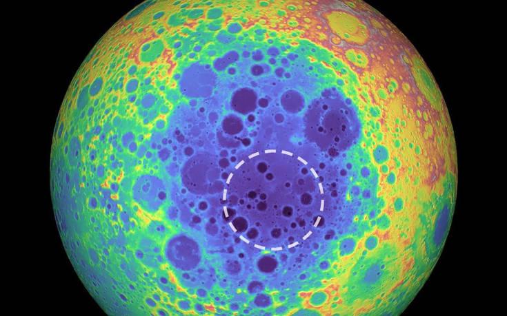 Τεράστια μυστηριώδης μεταλλική μάζα κάτω από τη σκοτεινή πλευρά της Σελήνης