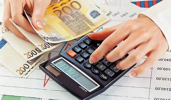 Φοροελαφρύνσεις 1,8 δισ. ευρώ για τη μεσαία τάξη - Από πότε θα ισχύσουν