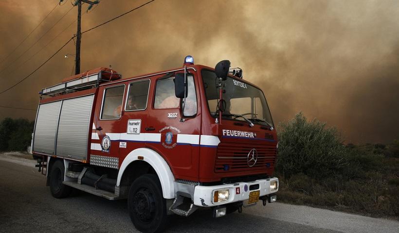 Υπό πλήρη έλεγχο οι φωτιές σε Κερατέα και Καλύβια