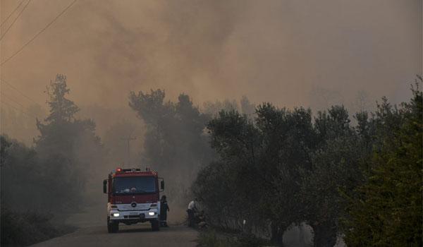 Συνεχίζεται η μάχη με τις φλόγες στην Εύβοια – Δύο μέτωπα και αναζωπυρώσεις