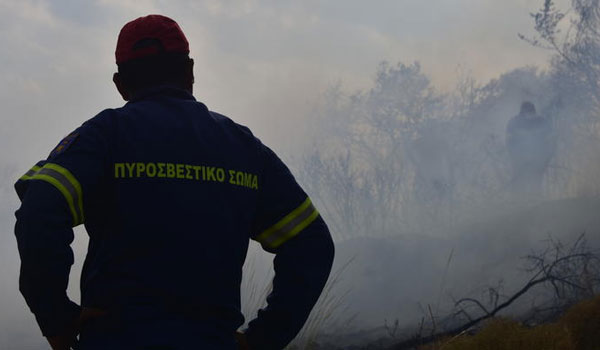 Ζάκυνθος: Υπό μερικό έλεγχο η πυρκαγιά στο χωριό Μαριές