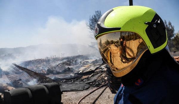 Σε ύφεση και οριοθετημένη η πυρκαγιά στο Χαϊδάρι