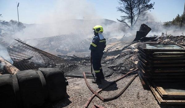 Φωτιά στο Χαϊδάρι: Αποκαταστάθηκε η κυκλοφορία που είχε διακοπεί - Δεν υπάρχει κίνδυνος