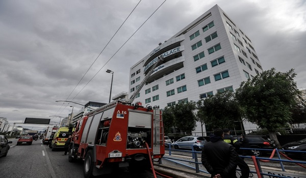 Φωτιά στο Athenaeum Palace: Στο νοσοκομείο τρία άτομα - Διασωληνωμένη 24χρονη