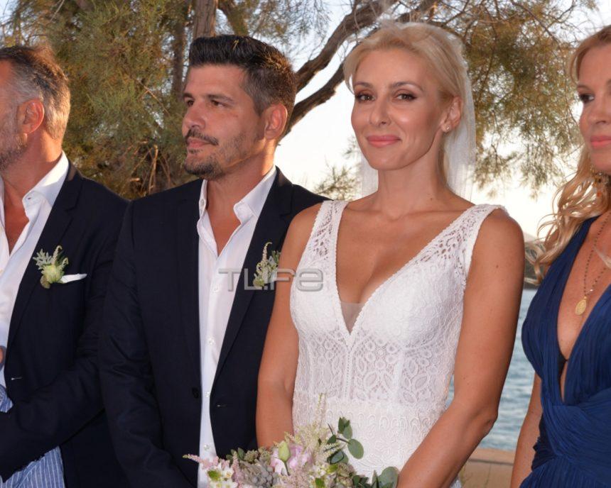 Παντρεύτηκαν η Μαρία Φραγκάκη και ο Νίκος Μάρκογλου στην Πάρο