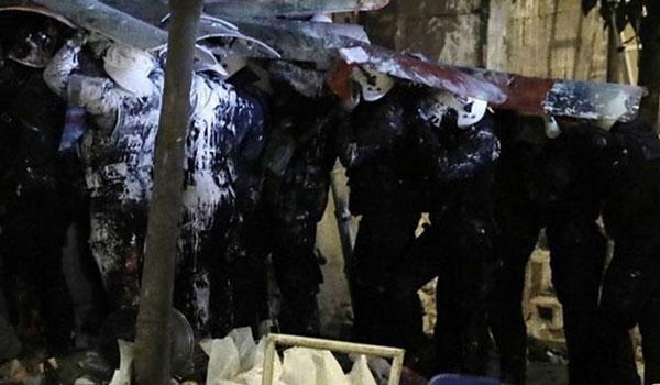 Νέες στολές και εξοπλισμός σε αστυνομικούς που συμμετείχαν στις επιχειρήσεις στο Κουκάκι
