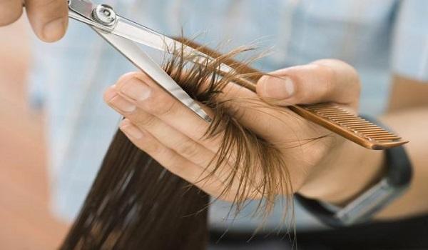 Στη φυλακή ο 23χρονος  που κούρευε γυναίκες με ψαλίδι και μαχαίρι τα μαλλιά τους