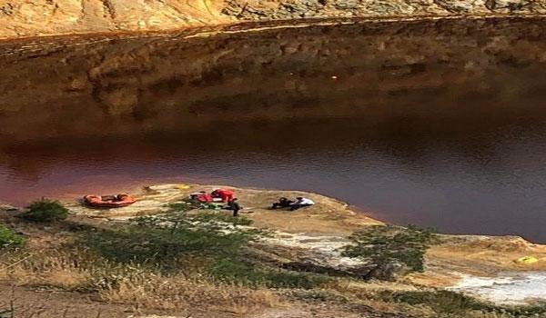 Kύπρος: Ανασύρουν τις βαλίτσες του θανάτου από την Κόκκινη λίμνη