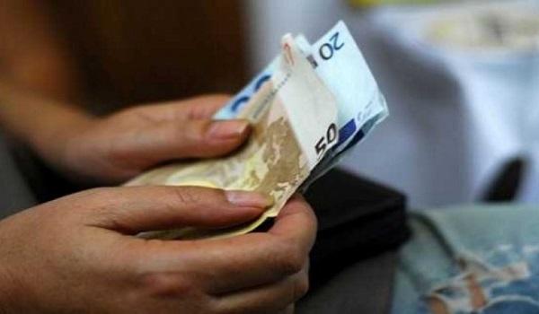 Νέο μηνιαίο επίδομα 100 ευρώ: Ποιοι θα το πάρουν. Τα κριτήρια