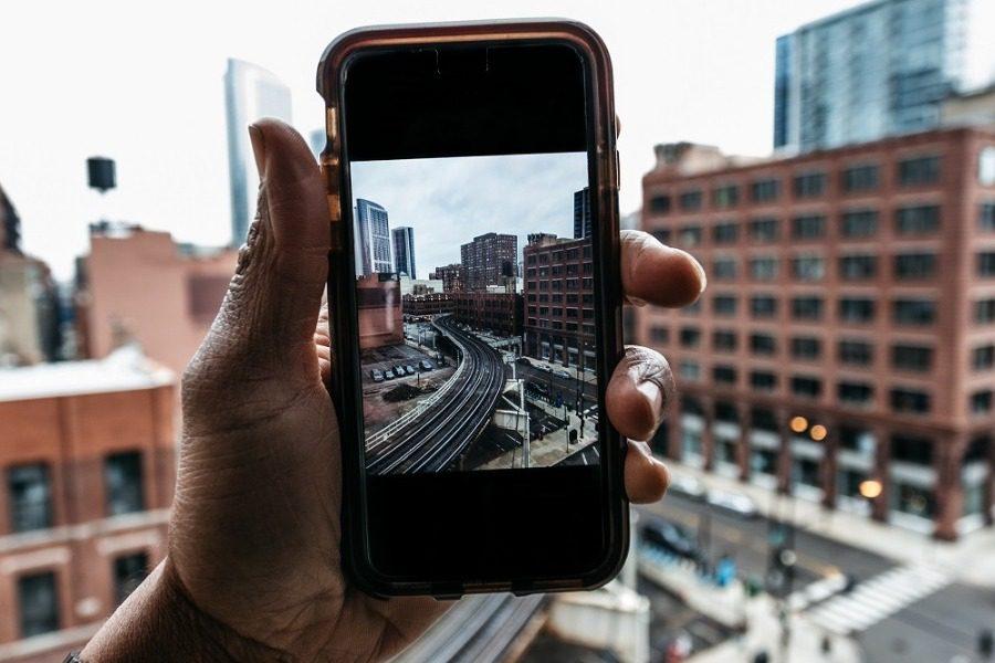 O 14χρονoς που ανακάλυψε το λάθος στα iPhone που έγινε σκάνδαλο