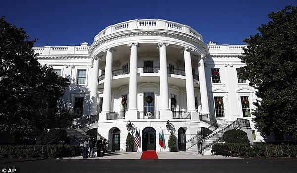 Έκτακτο κονδύλι για την αντιμετώπιση του κορωνοϊού ζητεί ο Λευκός Οίκος