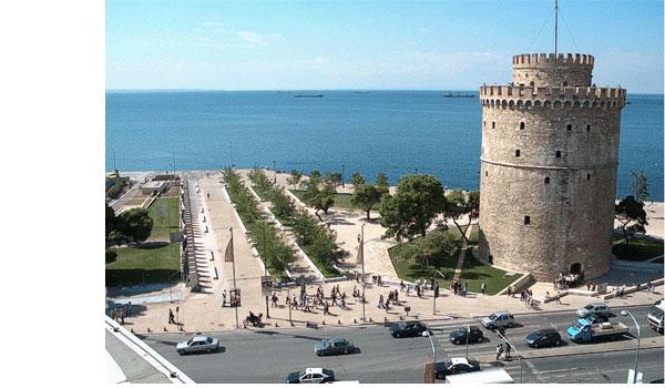 Θεσσαλονίκη: Ο Λευκός Πύργος έγινε μωβ