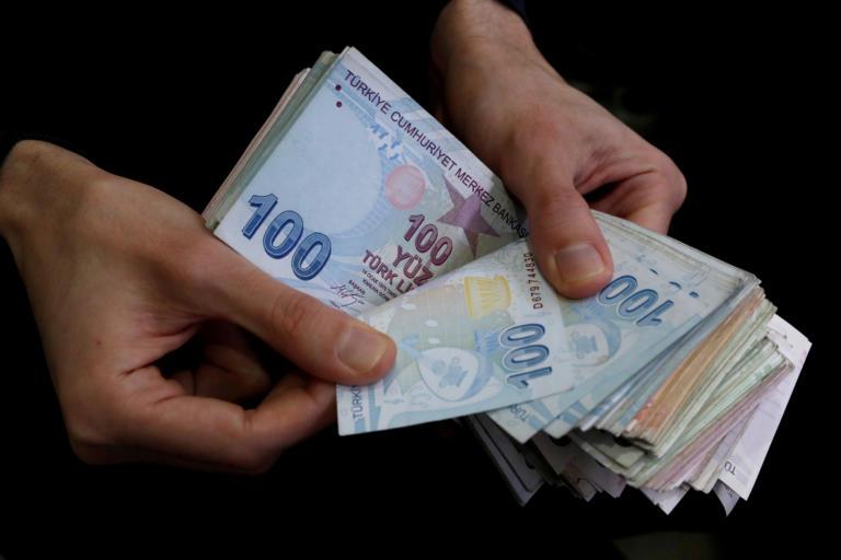 Κωνσταντινούπολη: Μυστηριώδης «Ρομπέν των δασών» πληρώνει τα χρέη των φτωχών
