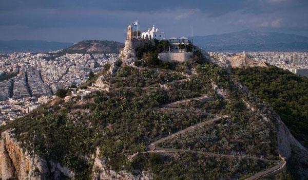 Δήμος Αθηναίων: Αλλάζει όψη ο λόφος του Λυκαβηττού