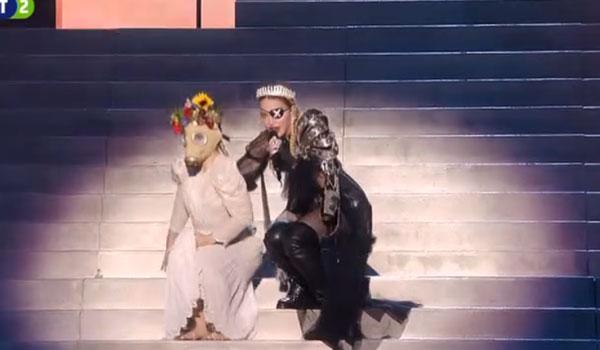 Η Μαντόνα στη σκηνή της Eurovision! Το φαντασμαγορικό σόου και τα... φάλτσα της!