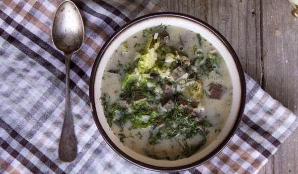 Συνταγή για παραδοσιακή μαγειρίτσα και παραλλαγές!