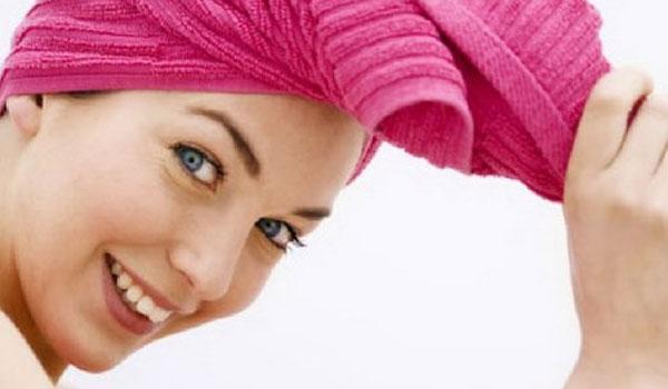 Πώς να ισιώσεις τα μαλλιά σου χωρίς πιστολάκι