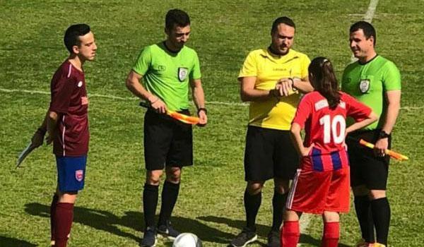 Για πρώτη φορά γυναίκα αρχηγός σε ανδρική ομάδα ποδοσφαίρου στην Ελλάδα!