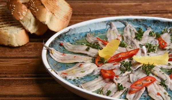 Τα 5 ελληνικά φαγητά που οι ξένοι τα βρίσκουν παράξενα