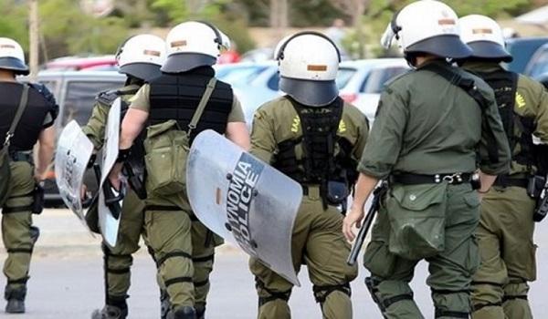 Επίθεση με δυο τραυματίες αστυνομικούς στο Κουκάκι