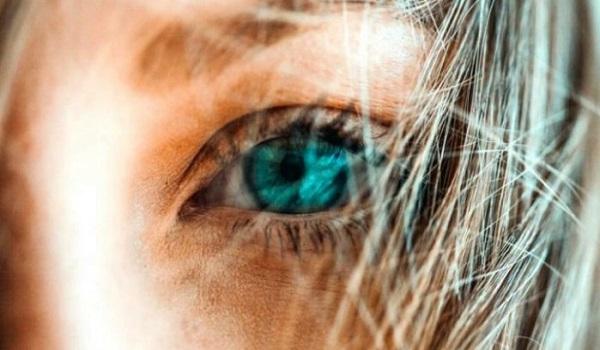 Η καθημερινή συνήθεια που τριπλασιάζει τον κίνδυνο να χάσετε την όραση σας