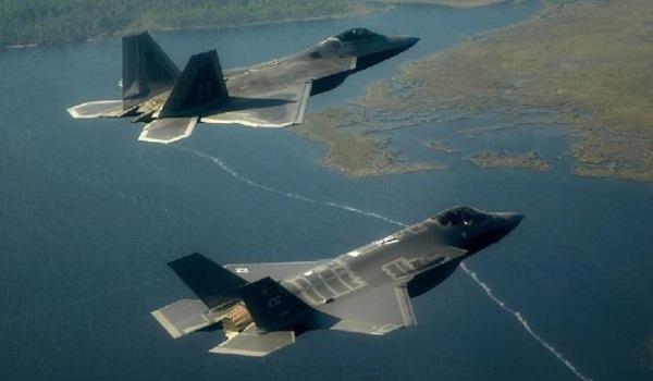 F-22 και F-35: Πόσο «αόρατα» είναι τα stealth μαχητικά των ΗΠΑ