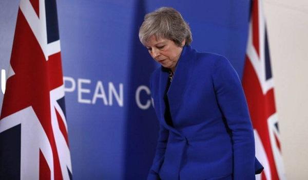 "Times: Την ""καρατόμηση"" της Μέι ετοιμάζουν 11 Υπουργοί της"