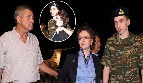 Η ευγενική απαίτηση του Έλληνα στρατιωτικού στην μητέρα του