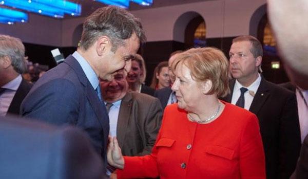 Κυβερνητικές κινήσεις με το βλέμμα στην επίσκεψη στο Βερολίνο