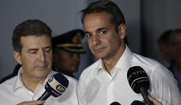 Μητσοτάκης: Ευχαριστώ τον κρατικό μηχανισμό - Χρυσοχοΐδης: Δεν θα κοιμηθούμε αν δεν περάσει κάθε κίνδυνος