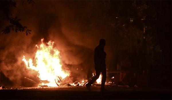 Επεισόδια σε Αθήνα-Θεσσαλονίκη.Πεδίο μάχης οι δρόμοι - Ο Αίαντας έσπασε τα οδοφράγματα