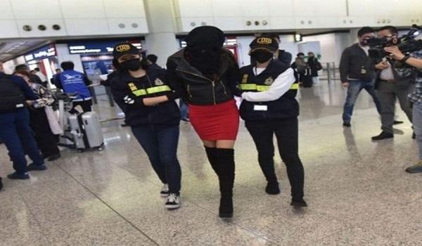 Διώκεται και στην Ελλάδα η 20χρονη που συνελήφθη με κοκαΐνη στο Χονγκ Κονγκ