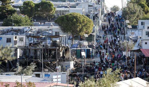 """Νέες """"φωτιές"""" στο πολιτικό σκηνικό για προσφυγικό και άσυλο. Σκληρές αντιπαραθέσεις"""