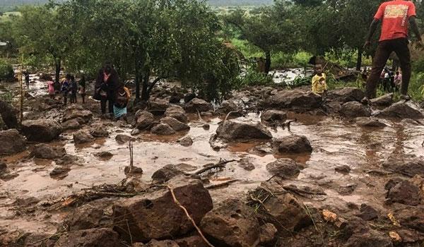 Αυξάνονται τα θύματα από το πέρασμα του κυκλώνα Ιντάι στη Μοζαμβίκη