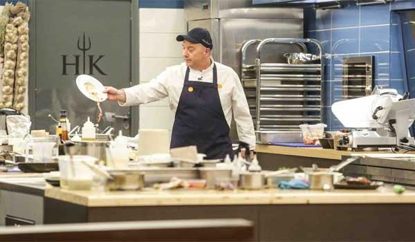 Το ξέσπασμα του Έκτορα Μποτρίνι: Άι σιχτίρ μάγειρες της σακούλας