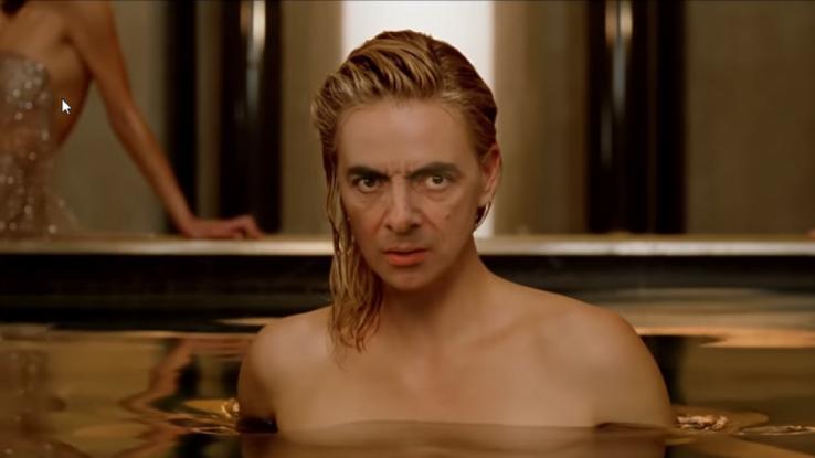 Ο Μίστερ Μπιν ως Σαρλίζ Θερόν στη διαφήμιση του J' Adore. Το βίντεο που έγινε viral