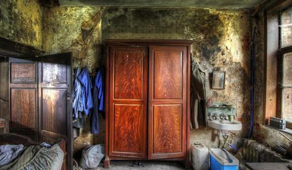 Το μυστήριο σπίτι στη Βόνιτσα: Οι ένοικοι έβρισκαν σχισμένα τα ρούχα τους