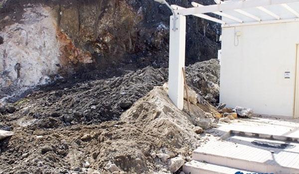 Νάξος: Από θαύμα σώθηκε αγροτική γιατρός όταν βράχος καταπλάκωσε το κρεβάτι της