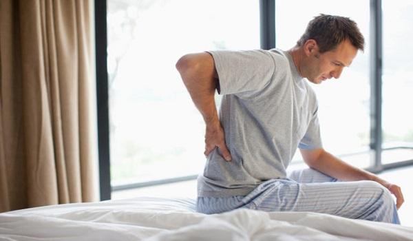 Καρκίνος στα νεφρά: Γιατί να μην αμελείτε ποτέ τον πόνο στα πλευρά
