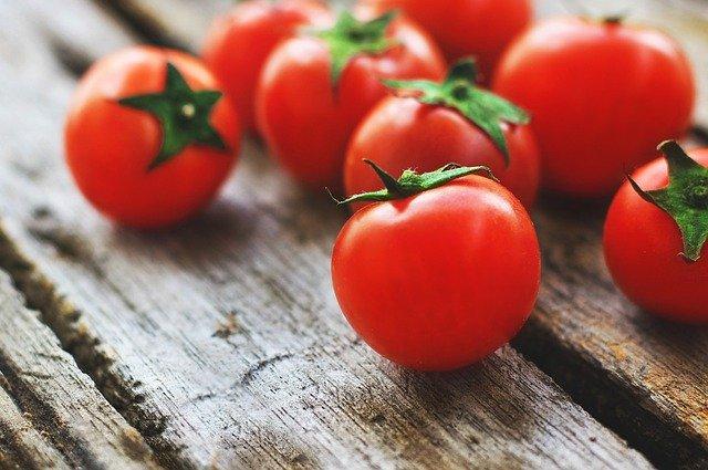 Το λάθος που κάνουμε με τη ντομάτα και αφαιρεί την αντικαρκινική της δράση