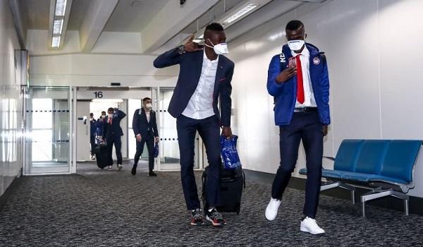 Κοροναϊός: Με μάσκες στο Λονδίνο οι παίκτες του Ολυμπιακού