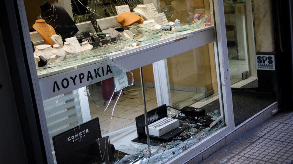 Ζακ Κωστόπουλος: Από τον ακτιβισμό στις ομοφοβικές επιθέσεις και τον θάνατο στην Ομόνοια