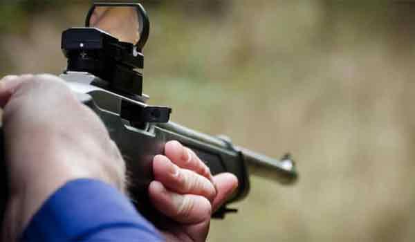 Σκότωσε κατά λάθος τον 24χρονο συγγενή του στο κυνήγι