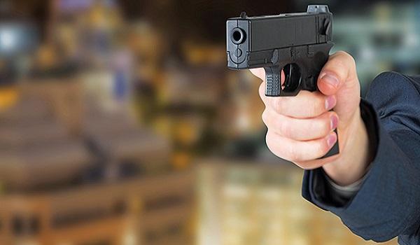 Αγοράκι επτά ετών πυροβόλησε με το όπλο του πατέρα του στο σχολείο