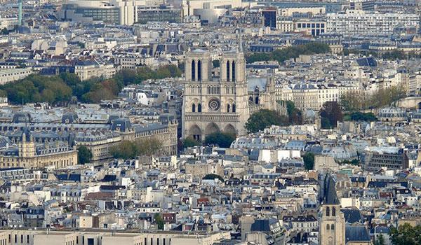 Παναγία των Παρισίων: Στάχτη 820 χρόνια ιστορίας