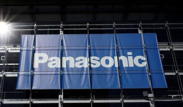 Η Panasonic αναστέλλει τις δοσοληψίες της με τη Huawei