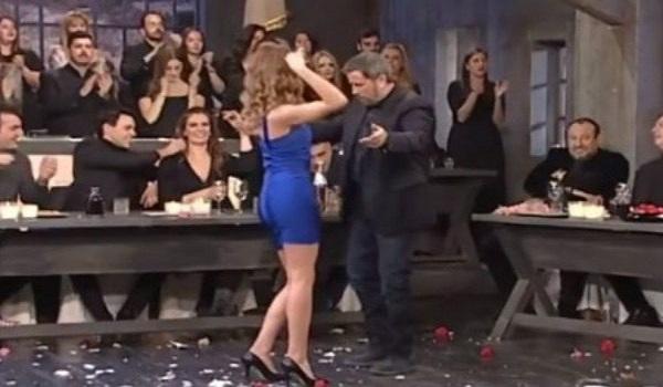 Με ποια νεαρή ηθοποιό χόρεψε τσιφτετέλι ο Σπύρος Παπαδόπουλος;
