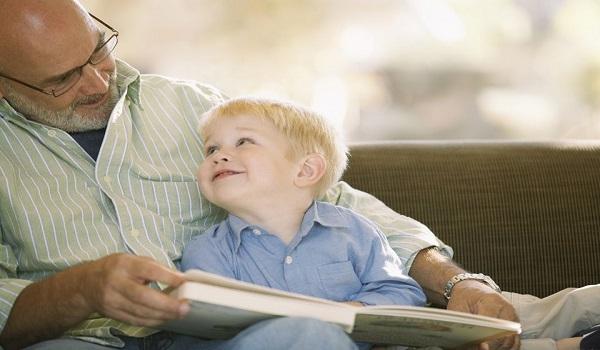 Αγαπητές μαμάδες, οι γιαγιάδες δεν είναι νταντάδες