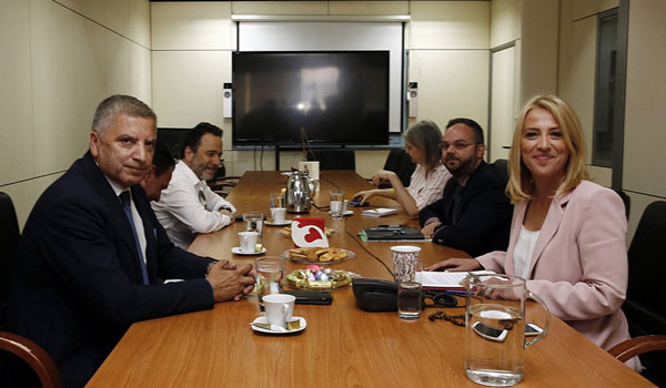 Πατουλης - Δούρου: Αμοιβαία συνεργασία για το καλό των πολιτών