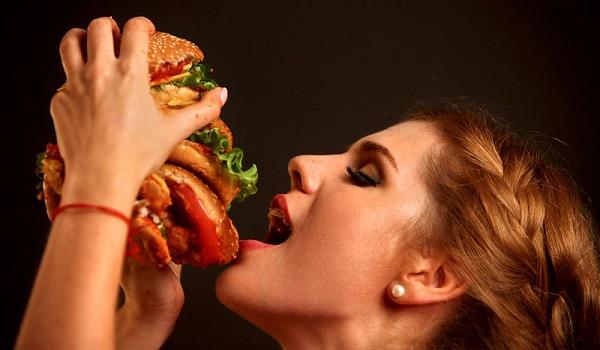 Πώς θα σταματήσετε την πείνα σας σε μόλις δύο λεπτά